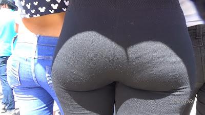 Mujeres bellas leggins entallados