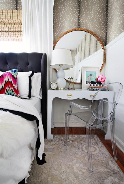 Kệ gỗ chưa bao giờ là sự lựa chọn lỗi mốt cho chiếc tủ đầu giường