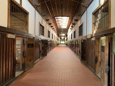 網走監獄舎房内の一棟