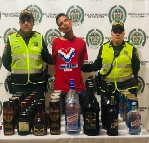 Se robo 37 botellas de licor de un punto frío