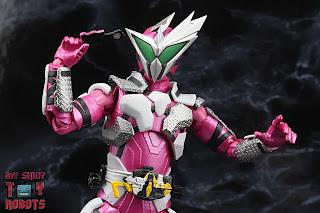 S.H. Figuarts Kamen Rider Jin Flying Falcon 11
