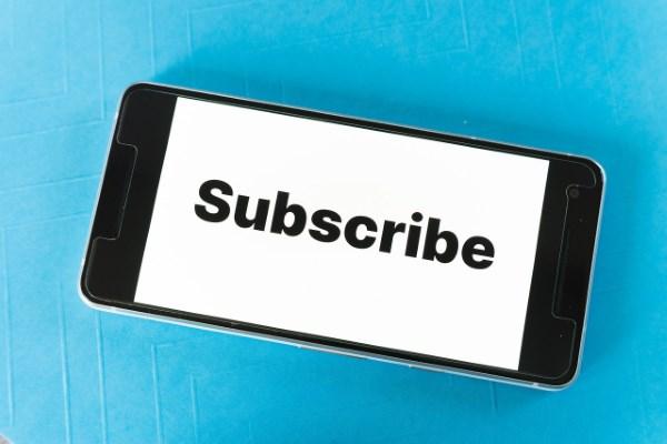 Cara Melihat Subscriber YouTuber dan TikToker di HP dengan Mudah