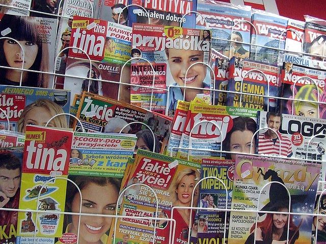 "<image-src=""magazine ad-jpg"" alt=""News-paper-या-magazine-advertising"">"