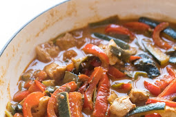 Low Carb,Paleo-Whole 30 coconut chicken thai curry