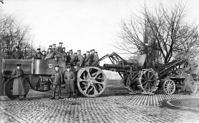 german 21 cm gun towed tractor
