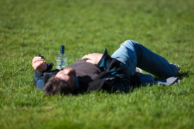 5 Simple Tips to Stop Drinking to Excess