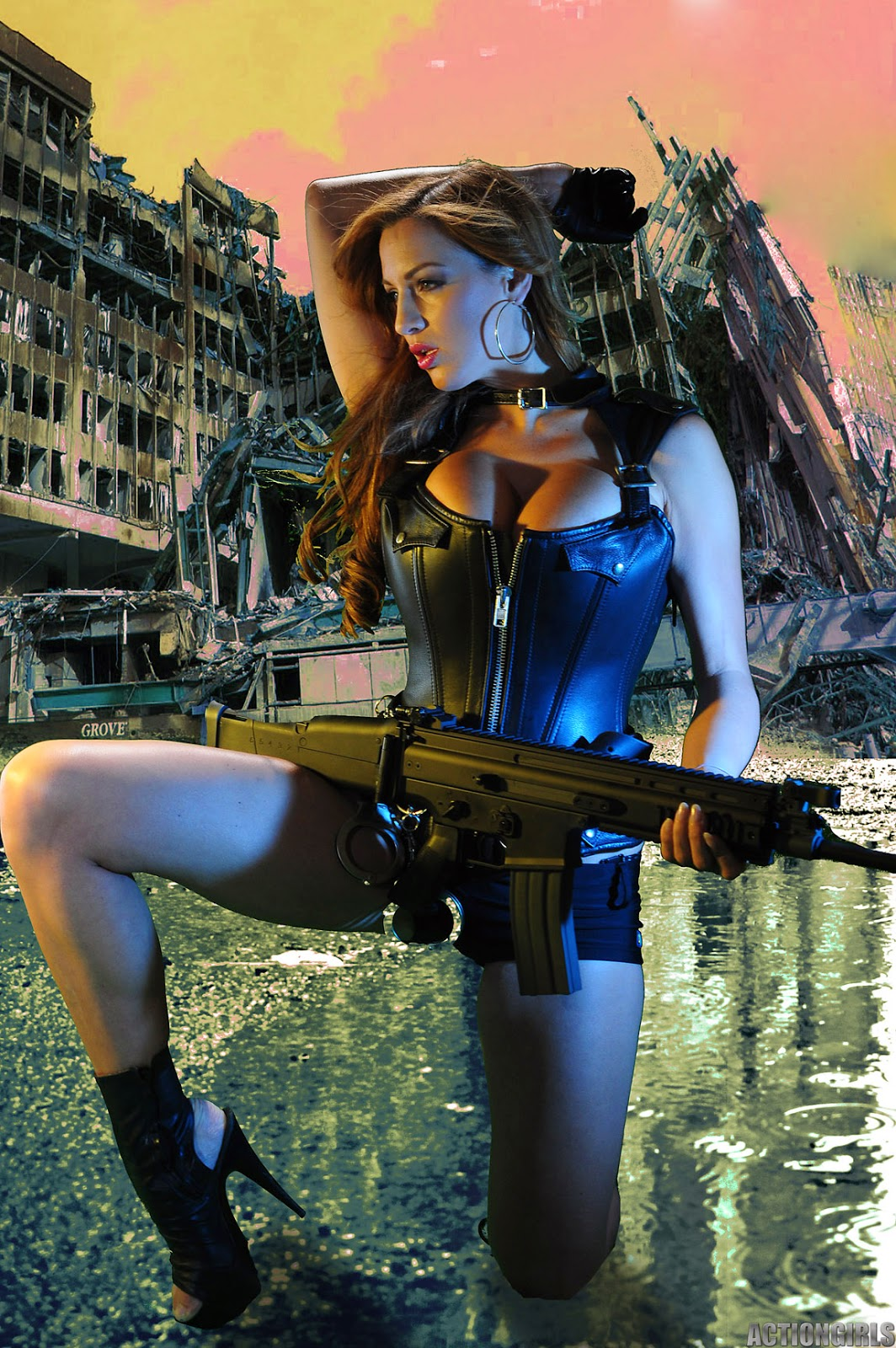 Jordan Carver Big Boobs Show With Gun In Leather Killer -1325
