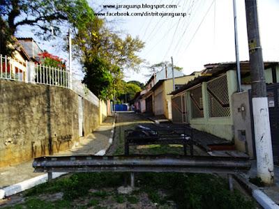 A Vila Nossa Senhora da Conceição possui um beco com saída, mas apenas para pedestres