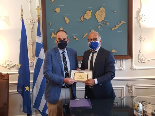 Στην Περιφέρεια ο Γιάννης Πλακιωτάκης - Τι συζήτησαν