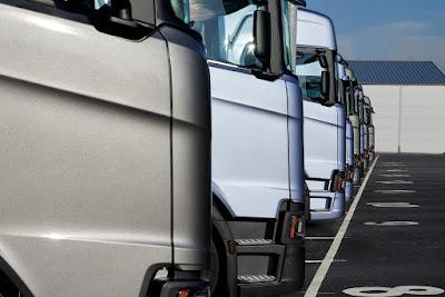 Vendas de caminhões avançam 57% em outubro