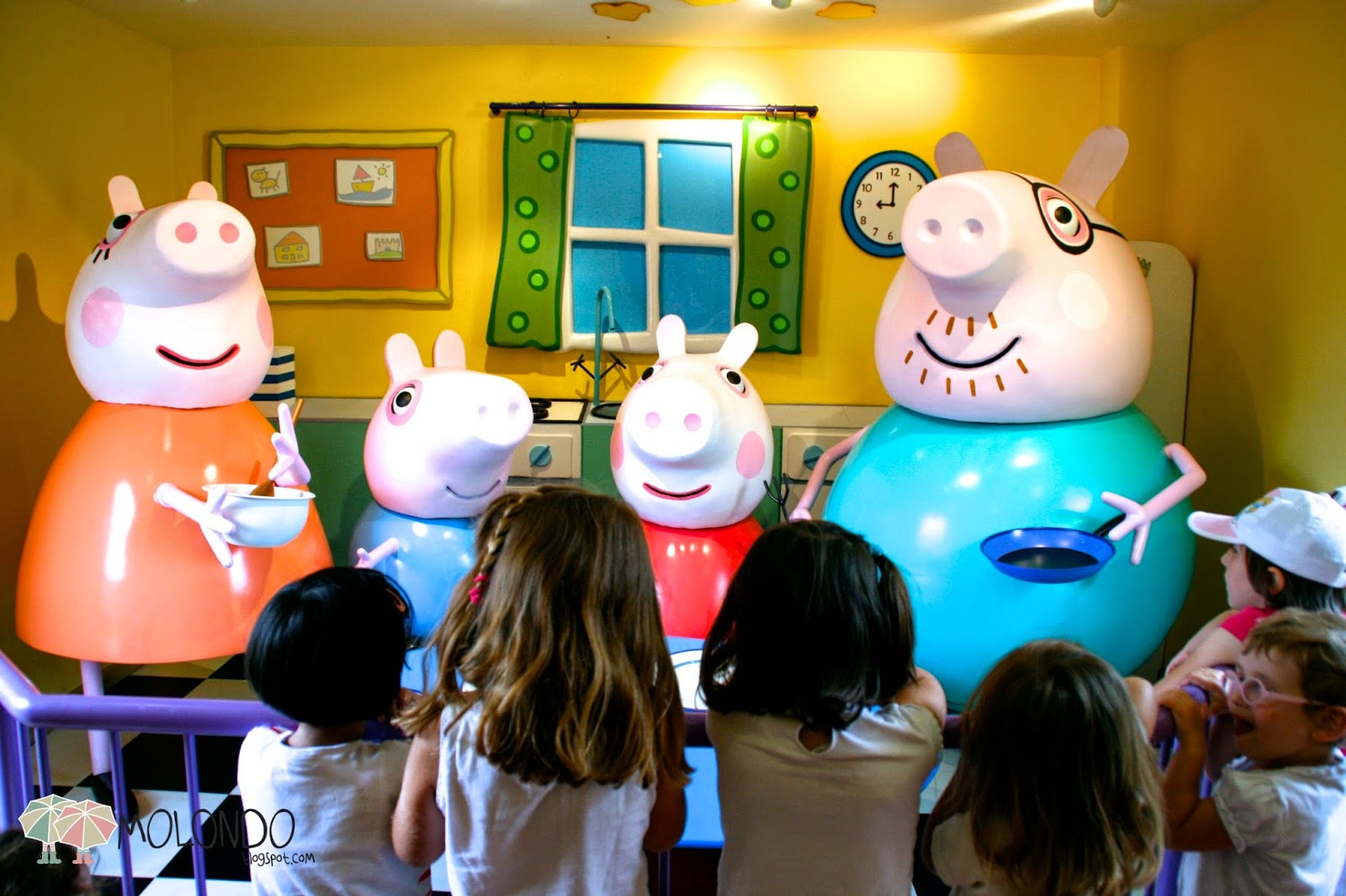 La Piscina De Peppa Pig Mati Andoli En Londres Peppa Pig 39s World The Best Plan With