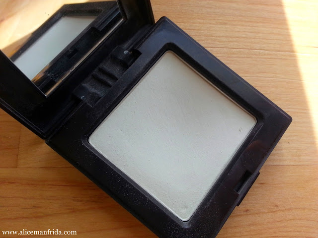matte translucent, powder, face, makeup, beauty