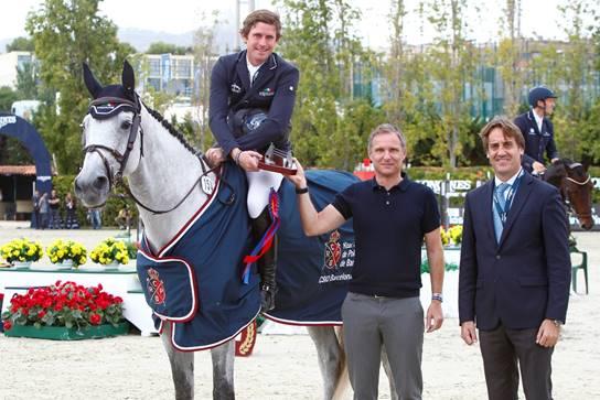 Darragh Kenny, junto a Thomas Scholl y Daniel Garcia Giró.