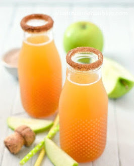 Must Try Fall Drink: 2 Ingredient Apple Cider Mimosas
