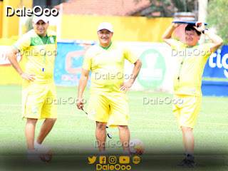 Luis Marín Camacho junto a su cuerpo técnico conformado por Marciano Saldías y Nery Quintana - Oriente Petrolero - DaleOoo