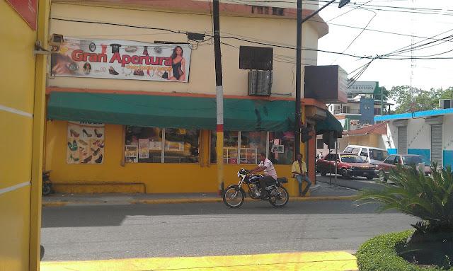 En una esquina de La Vega