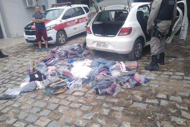 Polícia prende trio suspeito de roubar loja de roupas no Sertão da Paraíba
