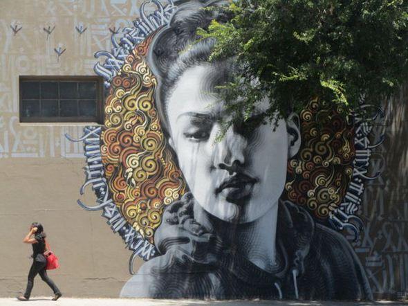 الفن بأى شىء وعلى أى شىء street-art-work-30.j