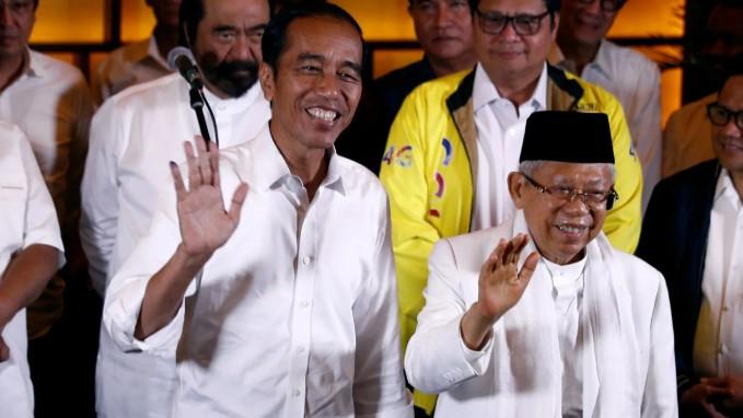 Pendukungnya Mulai Kritis, Analis Politik: Rakyat Kian Sadar Jokowi Disetir Oligarki
