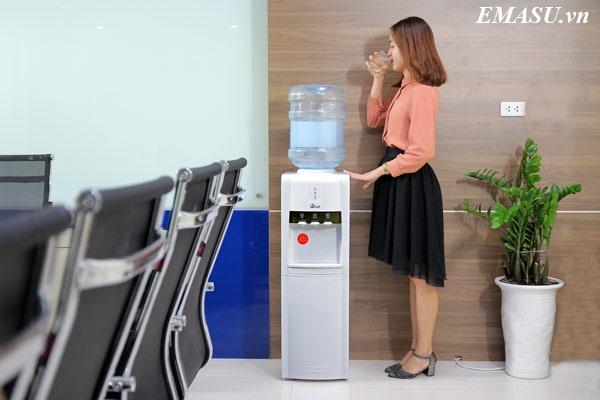 Hệ thống phân phối cây nước nóng lạnh cao cấp FujiE WD1800E chính hãng, giá tốt, uy tín nhất, dịch vụ bảo hành nhanh chóng nhất
