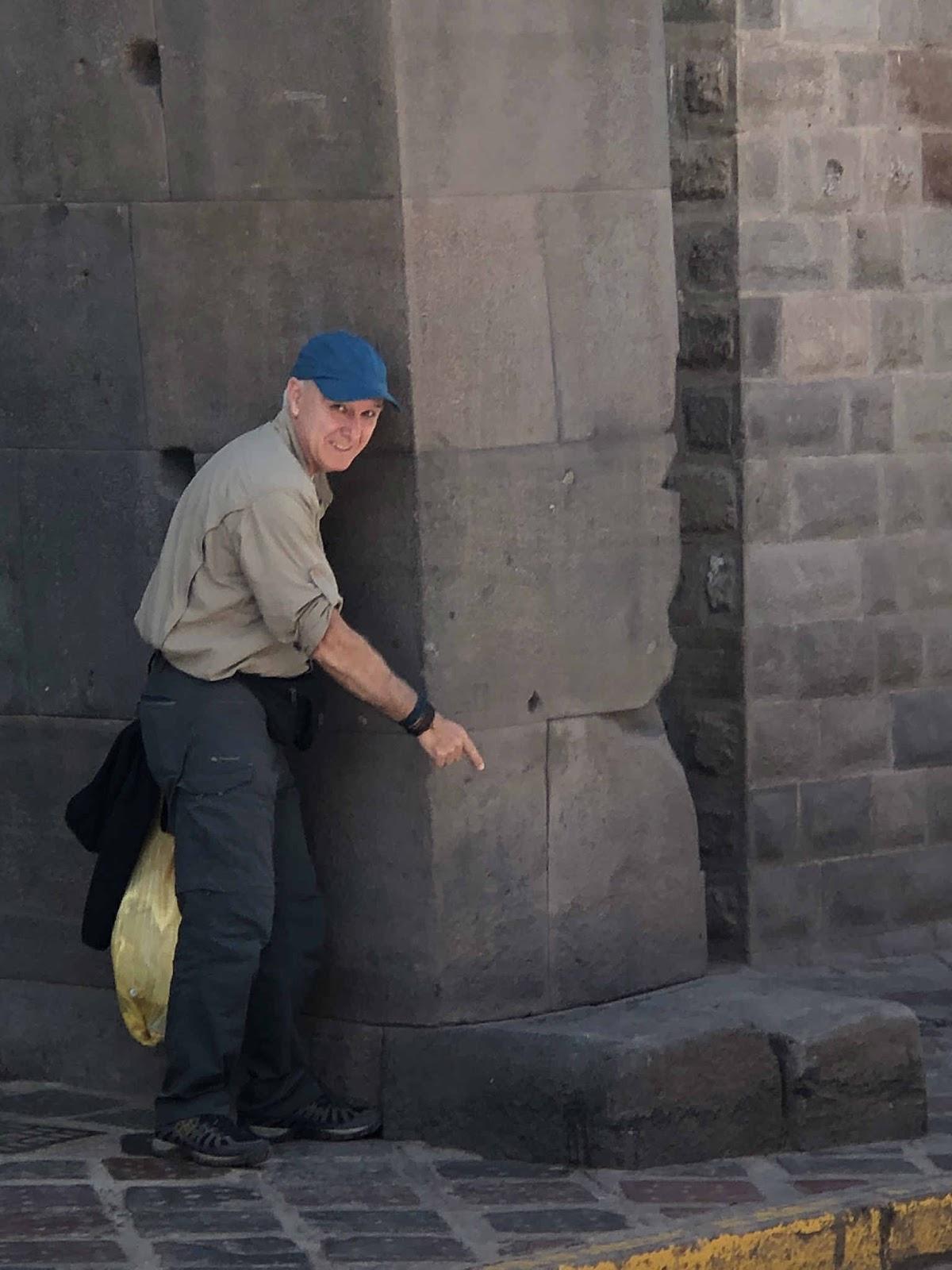 Viagens por Aí - Pelas ruas de Cusco Peru