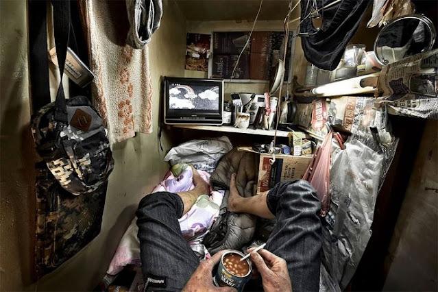 Фотограф побывал в Гонконге – городе с самыми высокими ценами на жилье и показал, в каких условиях выживают неимущие!