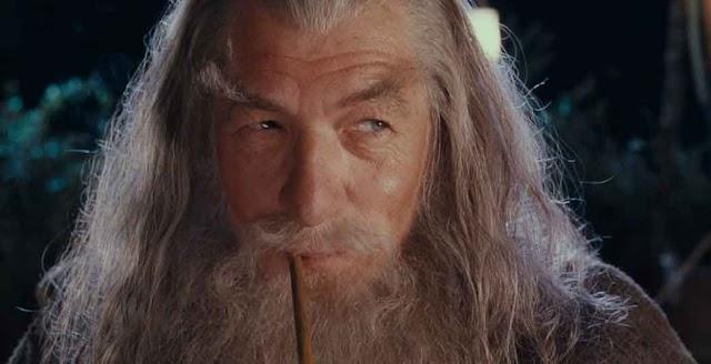 """Gandalf lança autobiografia polêmica e revela o título: """"Cinquenta tons de cinza"""""""