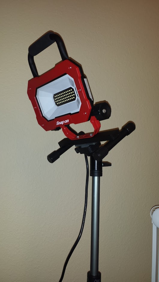 Floodlight on Tripod