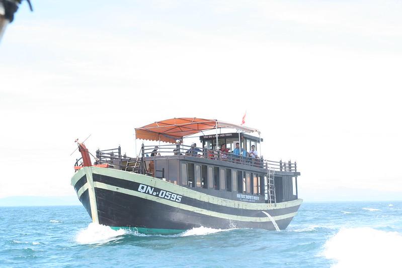 Tàu gỗ đi Cù Lao Chàm