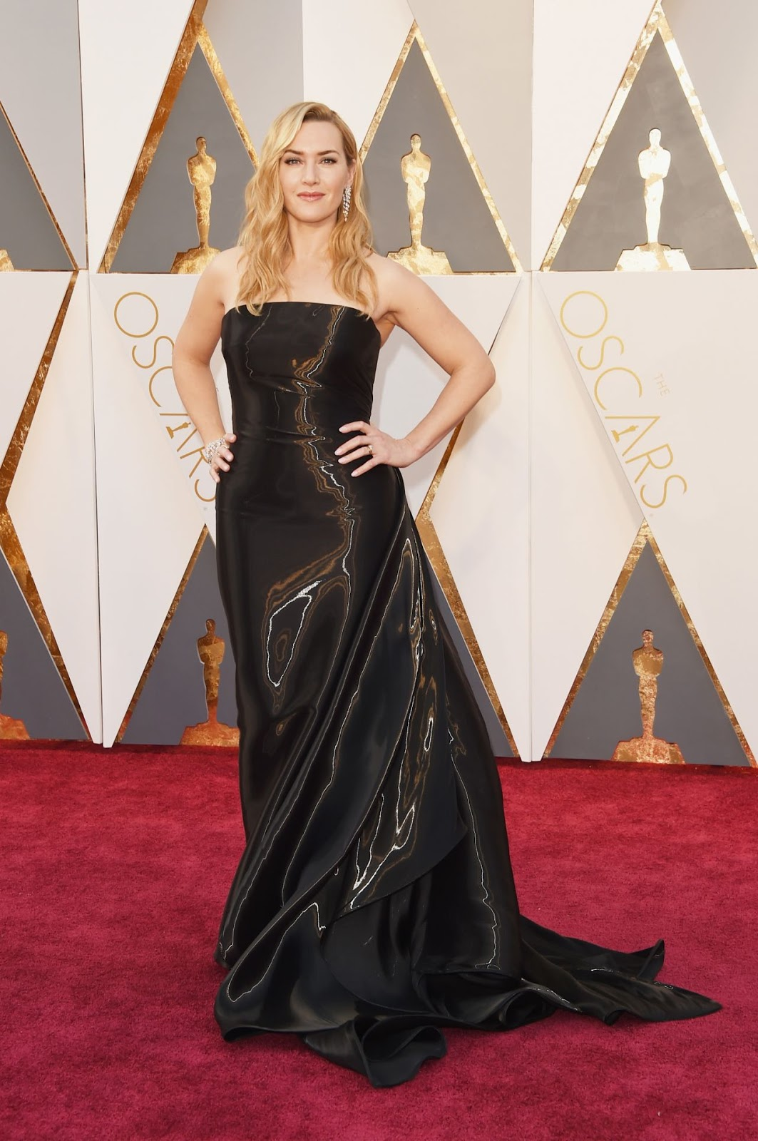 Kate Winslet wears Ralph Lauren to the Oscars 2016
