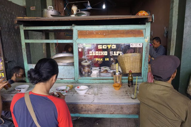 Kuliner Soto dan Minum Jamu di Pasar Prawirotaman