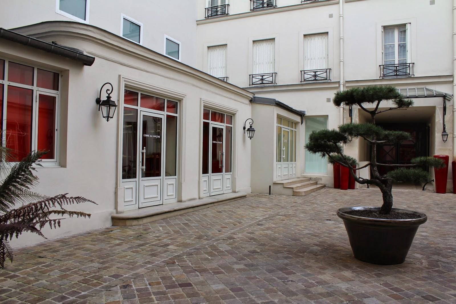 super popular b61fb 9edc0 MILANO // MOSCOW: Places in Paris // Comme des Garçons ...