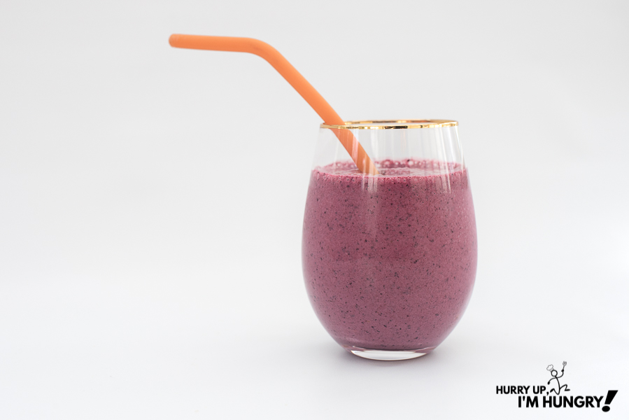 Recipe for a banana berry smoothie using Saskatoon berries instead of blueberries