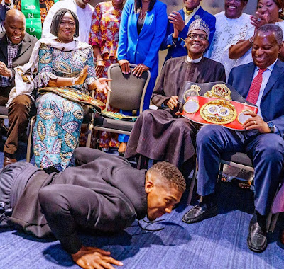 Keyamo hails Anthony Joshua for prostrate before Buhari in London