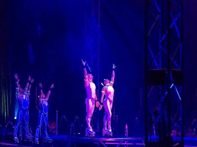 Cirque Italia Rollerskaters
