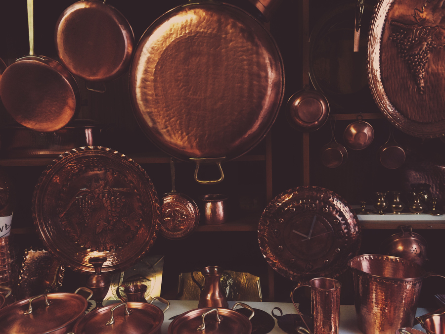 Copper pans, photographer - Katie Currid of Freckle & Fair