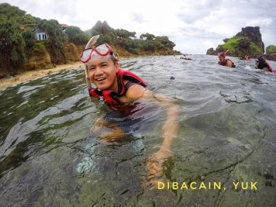 """""""pengalaman serunya snorkling di pantai nglambor"""""""