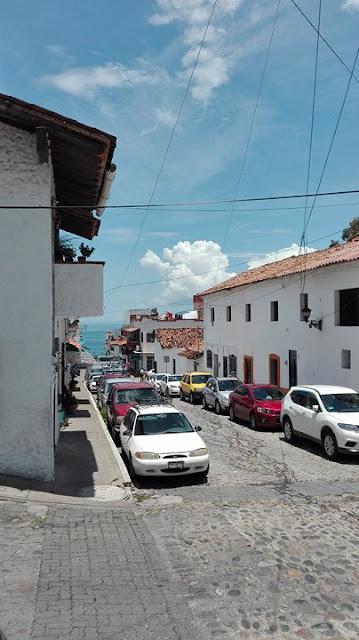 POBRESA Y BELLEZA/POVERTY AND BEAUTY