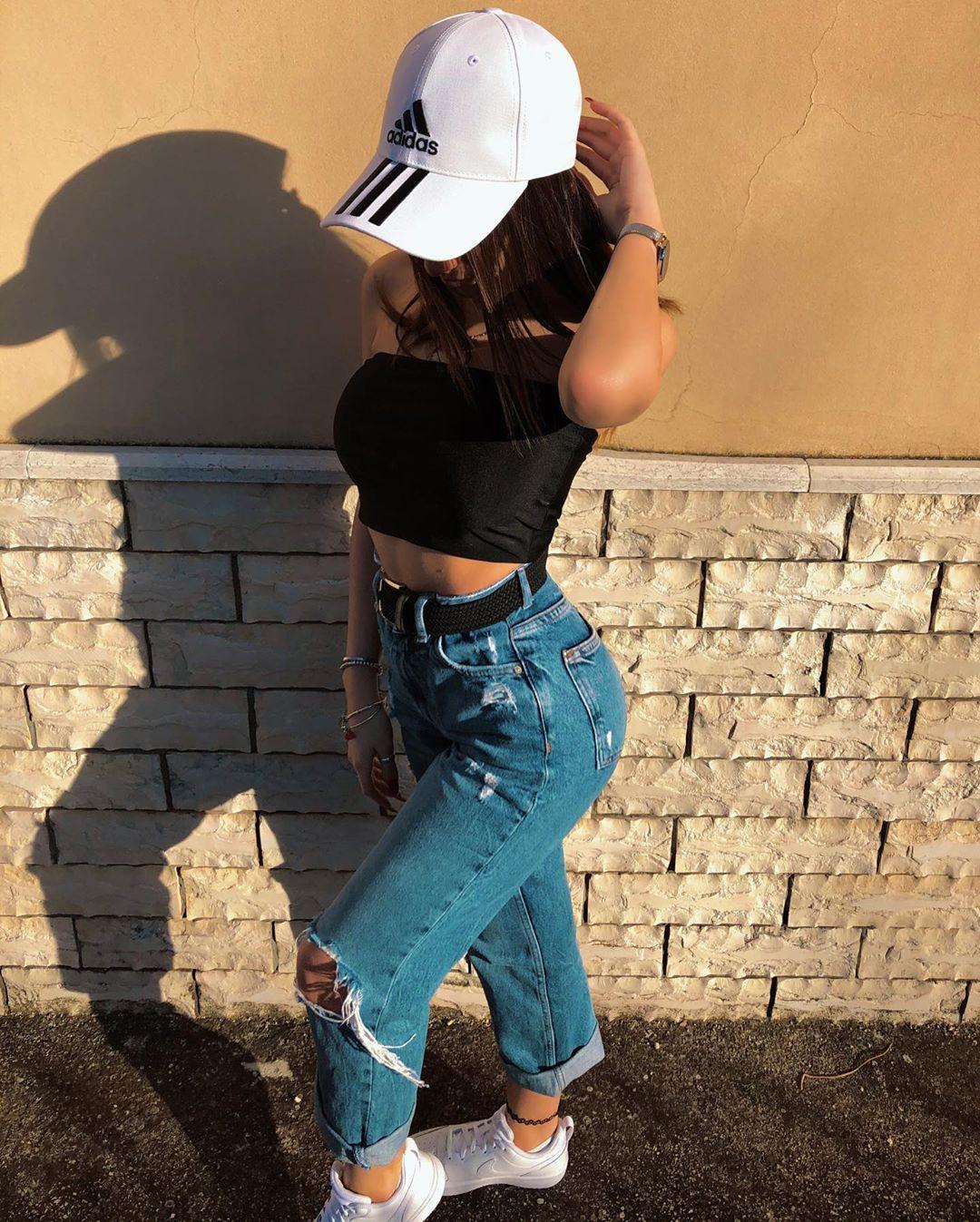 Cool and Stylish Girl DP