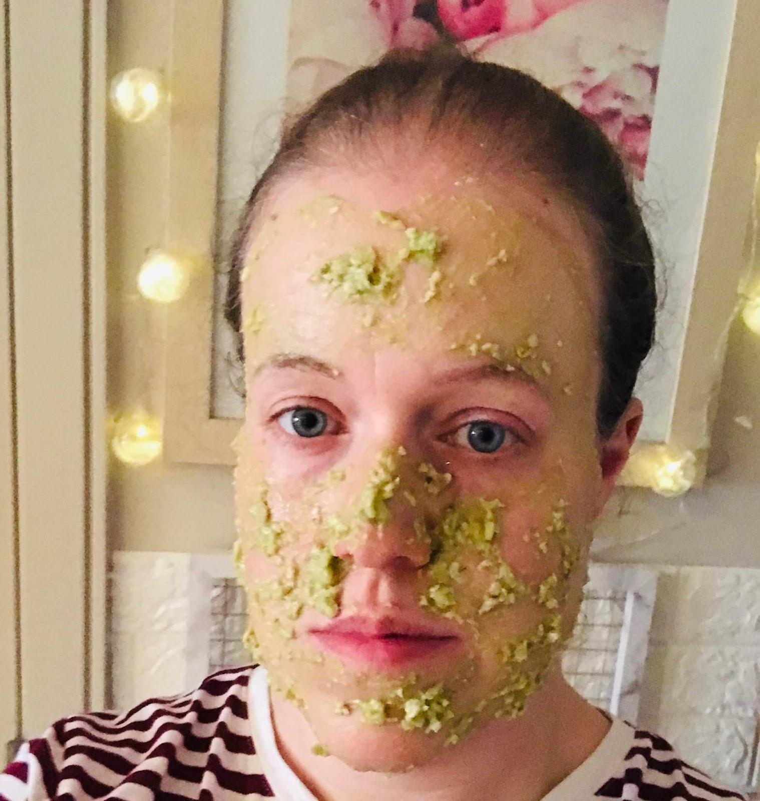 DIY facemask avocado and honey
