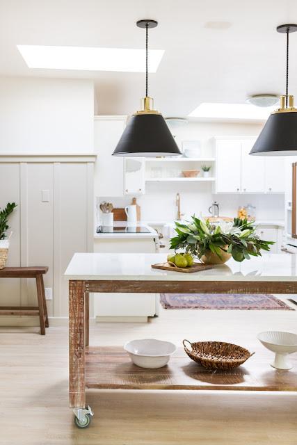 Simple rolling kitchen island idea with shelf