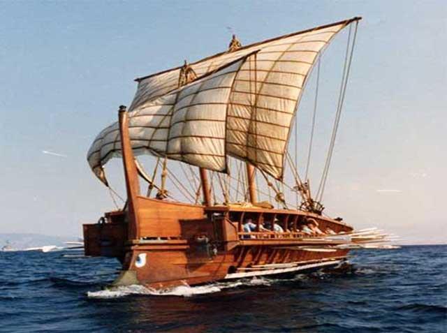 Kapal dengan Tiga Baris Dayung