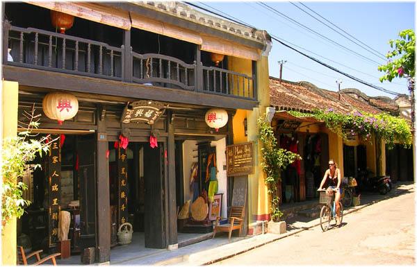 Chuyển hàng đi Quảng Nam từ Sài Gòn Uy Tín, Chuyên Nghiệp, An Toàn