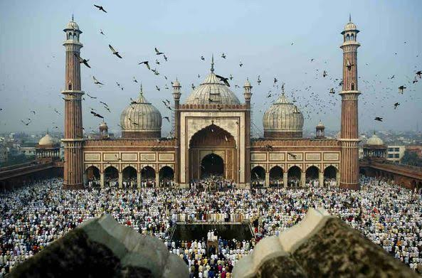 ईद-अल-फितर के बाद Eid-al-adha दूसरा प्रमुख Muslim त्योहार है, जो रमजान के अंत, उपवास का महीना है।