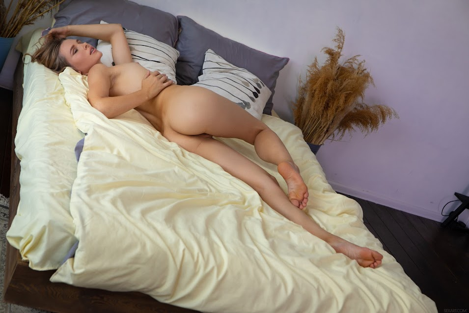 [Sex-Art] Amber Pearl - Time Alone 0788919497