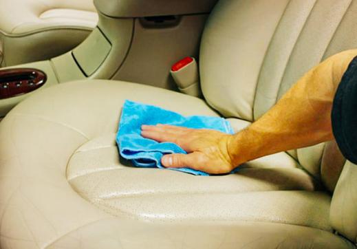 Gampang Sekali, Begini Cara Mudah Membersihkan Jok Mobil