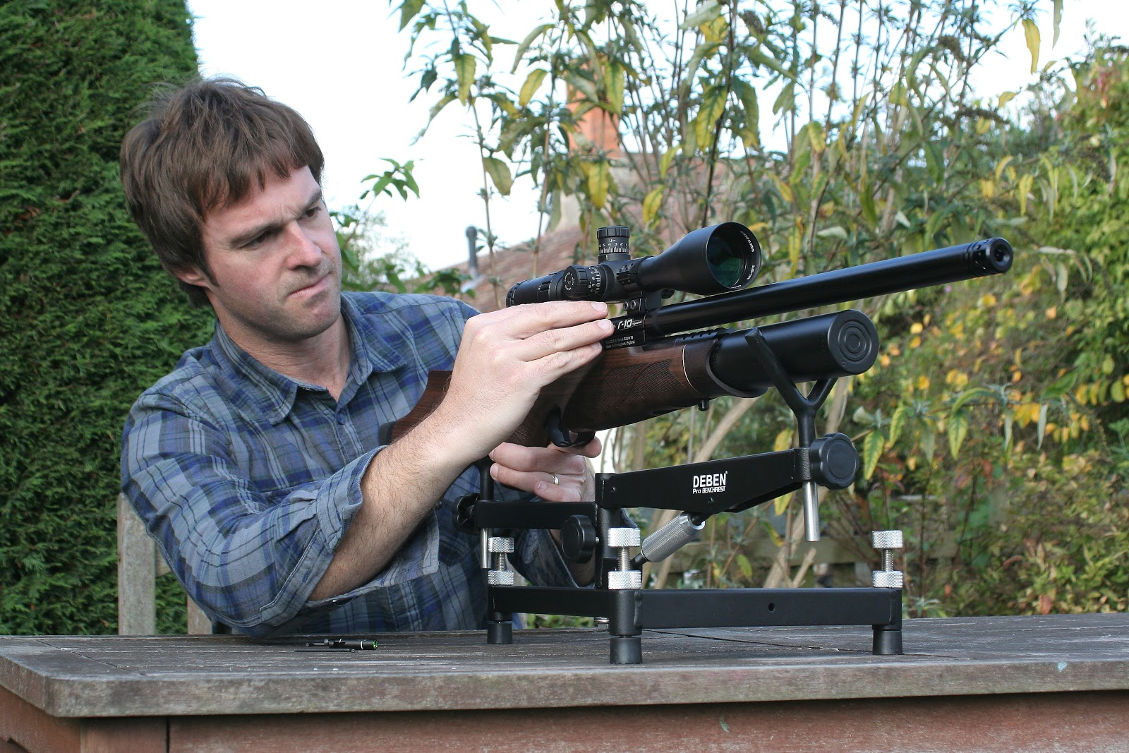 Benchrest Shooting Technique: Mat Manning's Air Rifle Hunting: Deben Pro Bench Rest