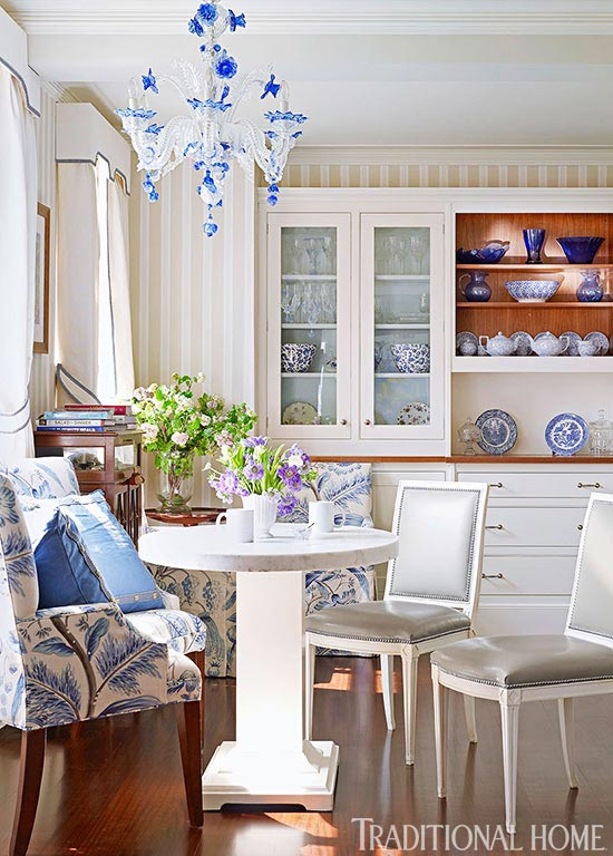 Chinoiserie chic blue and white for New york style kitchen design