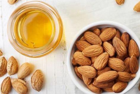 فوائد العسل مع اللوز والكاجو