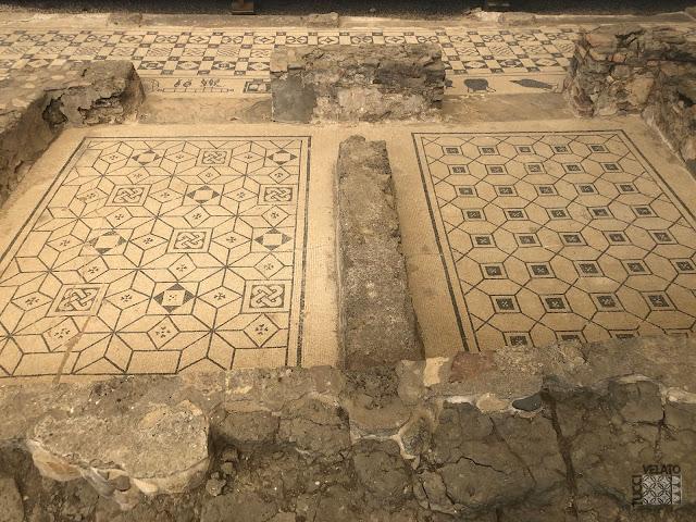 Mosaicos de las habitaciones en la Villa romana de Río Verde